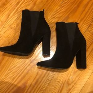 Black Booties Pointed toe